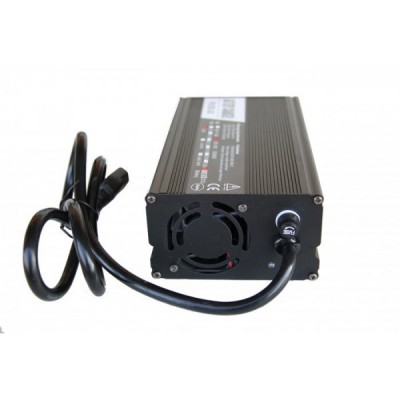 Автоматическое зарядное устройство для литий ионных АКБ на 60v (7A) Elvabike.com