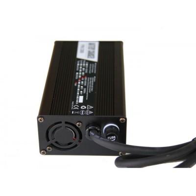 Автоматическое зарядное устройство для литий ионных АКБ на 48v (8А) Elvabike.com